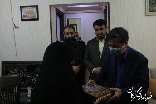 دیدار اعضای شورای تامین شهرستان با خانواده شهدای ترور در شهر گرگان