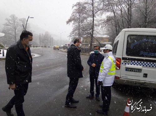 محدودیت تردد در محور ناهارخوران به روستای زیارت/ مردم برای برف بازی به زیارت نروند
